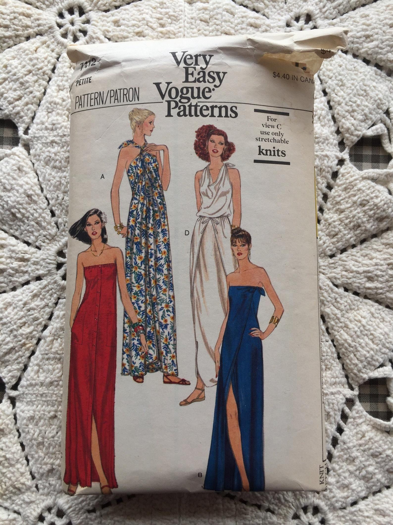 Vogue 7112 1970s Sewing Pattern Maxi Dress Halter Etsy Maxi Dress Pattern 1970s Sewing Patterns Vogue Patterns [ 2118 x 1588 Pixel ]