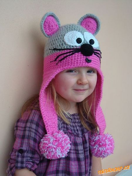 Free Crochet Cat Hat Pattern. Will need a translator, but it does have diagram.