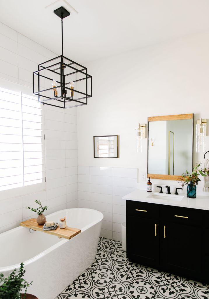 Black and white bathroom remodel #blackwhitebathrooms