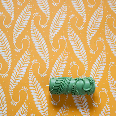Sample Roller Number 1606 310n With Leaves Similar To Robinia As A Ribbon Pattern With Tendrils In 2020 Gemusterte Farbroller Wandgemalde Selbstgemacht Muster