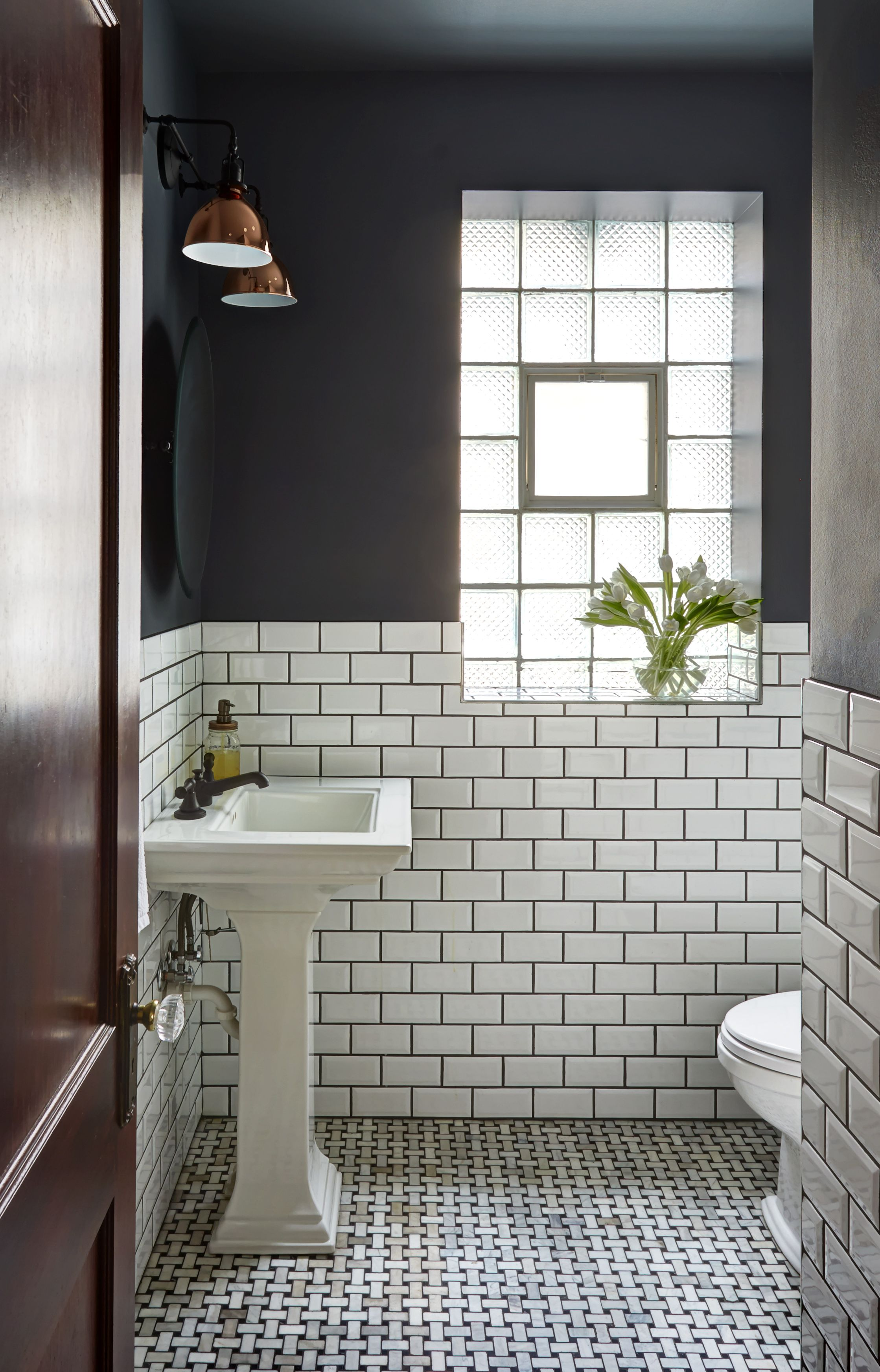 Bathroom Subway Tile Dark Grout blog — unpatterned interiors: subway tile, dark grout, classic