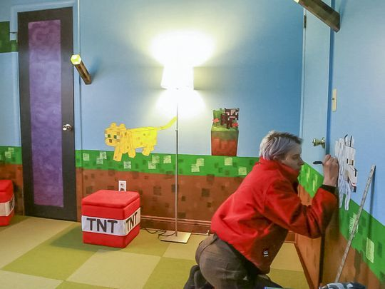 Emily Schaffner Of Ithaca Puts The Finished Touches Micro Post. Minecraft  Bedroom ...