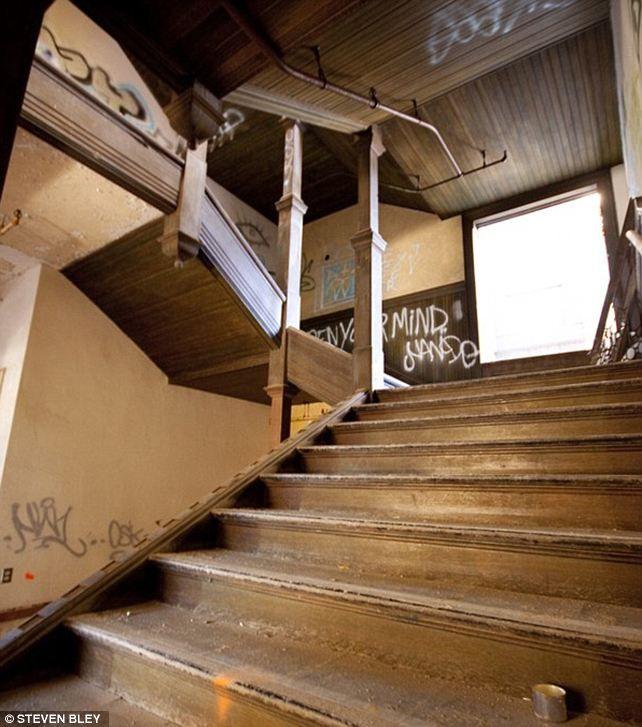 Haunted House York University: Haunting Photos Reveal Sad Ruins Of A Prestigious New York