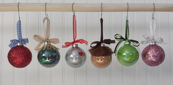 I found these christmas balls on Etsy but it`s not difficult to make them  by your own. A wonderful idea for house decorating. - Wizard Of Oz Ornaments Relay Goes Hollywood/ Wizard Of Oz 2016