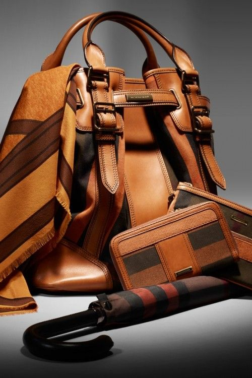 #Burberry #leathertote