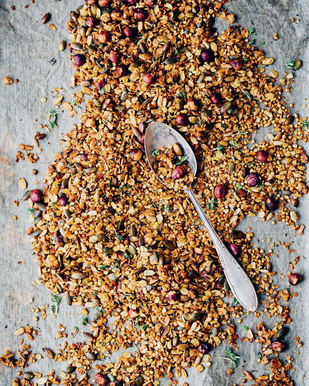 Savoury granola – salad's best friend