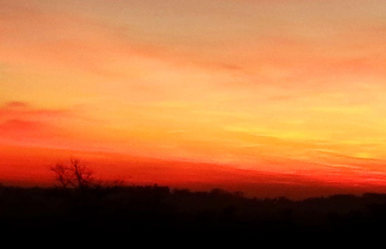 Der Himmel brennt!  Das war echt, nichts bearbeitet! Einfach traumhafte Farben!  (In Rotenturm am Berg oben mit Rundumblick)