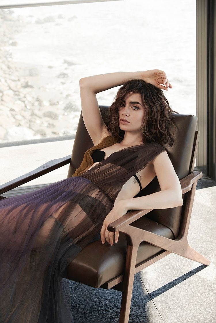 Nude Lily Collins