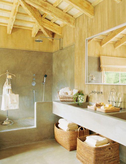 Ein Rustikales Design Bedeutet Dem Ländlichen Nahe. Vorraussetzung Für Ein Rustikales  Badezimmer Sind Hölzerne Möbel, Die Eine Beruhigende Wirkung Haben.