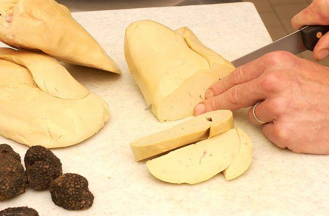 Découpe du foie gras | Flickr: partage de photos!