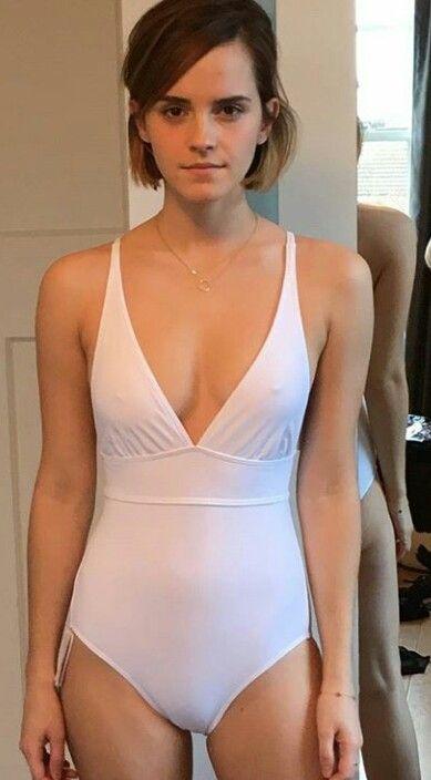 Emma Watson Sexy Bikini Pics