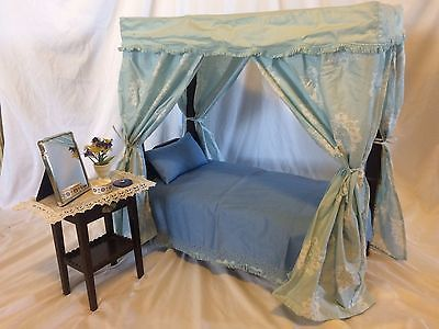American Girl Elizabeth Canopy Bed and Bedding + Dressing Table and Accessories & American Girl Elizabeth Canopy Bed and Bedding + Dressing Table ...