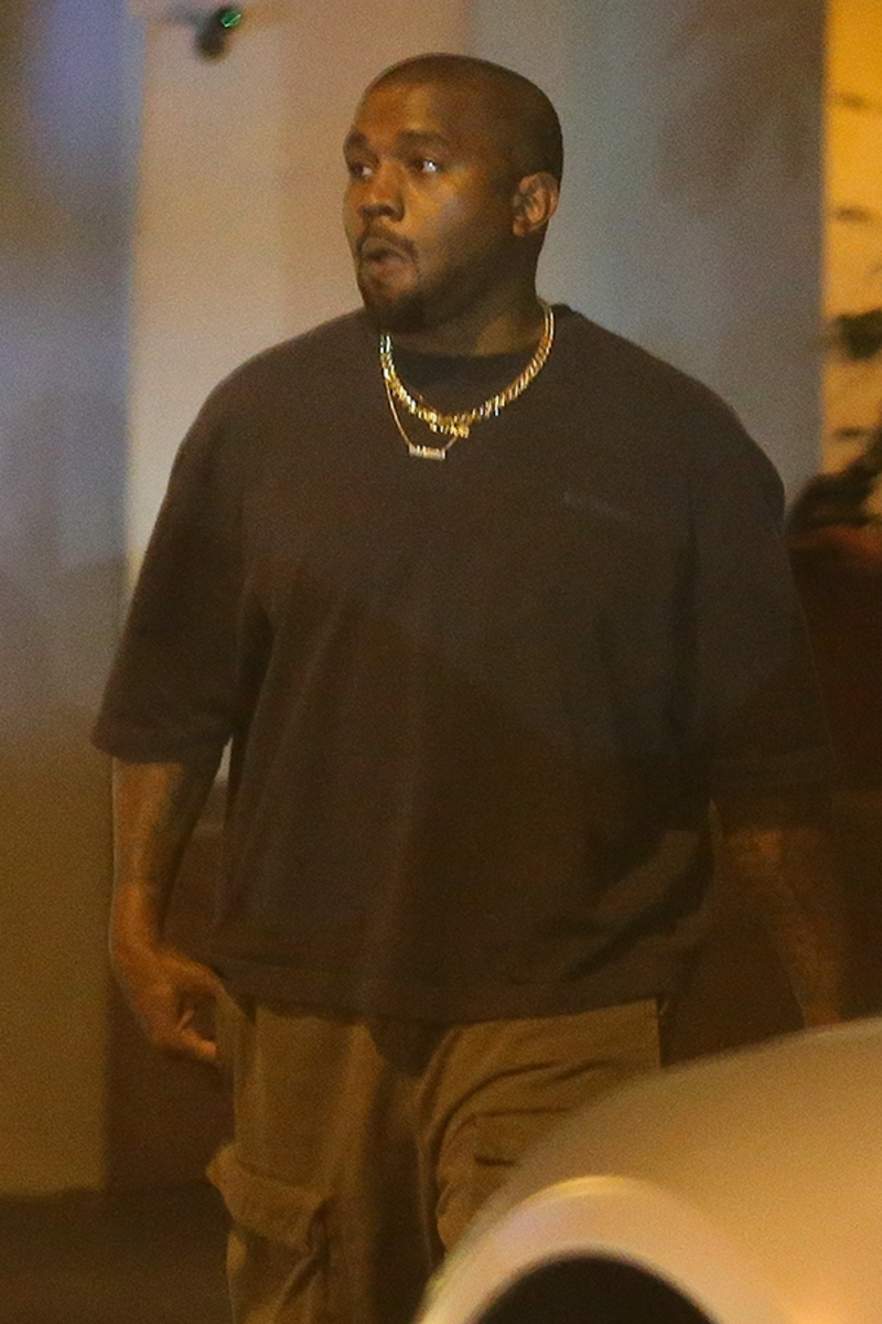 Kanye West S Ex Pa He Not A Billionaire Broke Can T Pay Staff Eats Ramen Noodles Kanye West Kanye Baby Mama