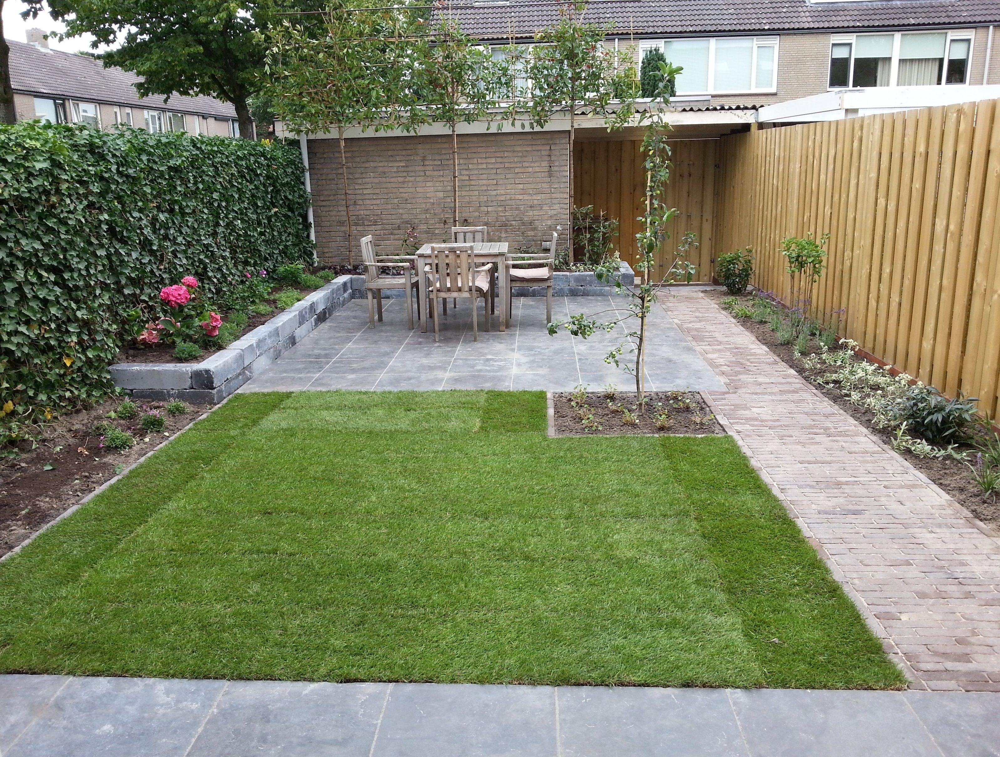 Moderne tuin in breda ontwerp van tuin for Tuinen aanleggen foto s