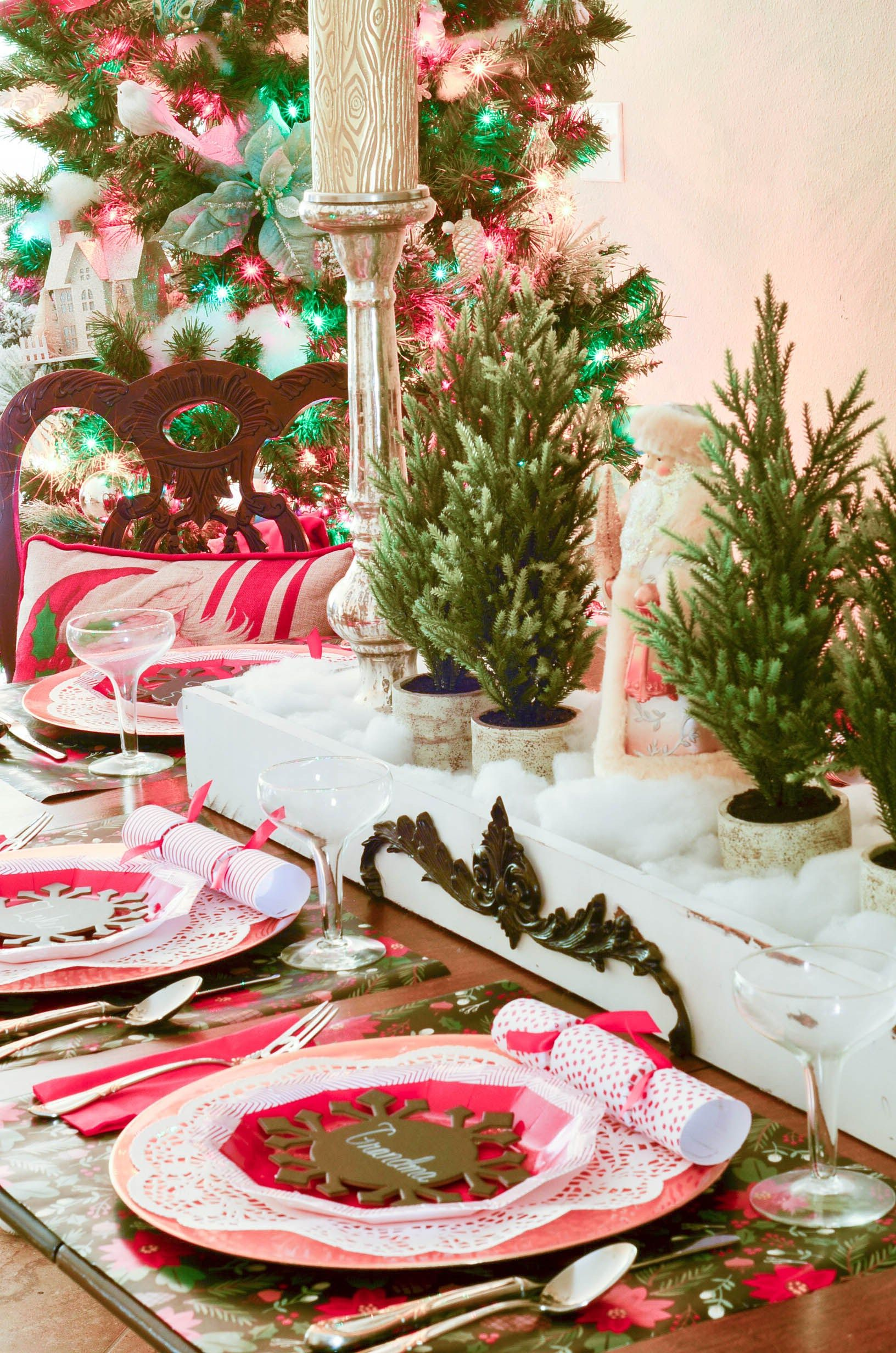Edit-Paper-Plate-Christmas-Tablescape-Slightly-Coastal-Wrapping- & Edit-Paper-Plate-Christmas-Tablescape-Slightly-Coastal-Wrapping ...