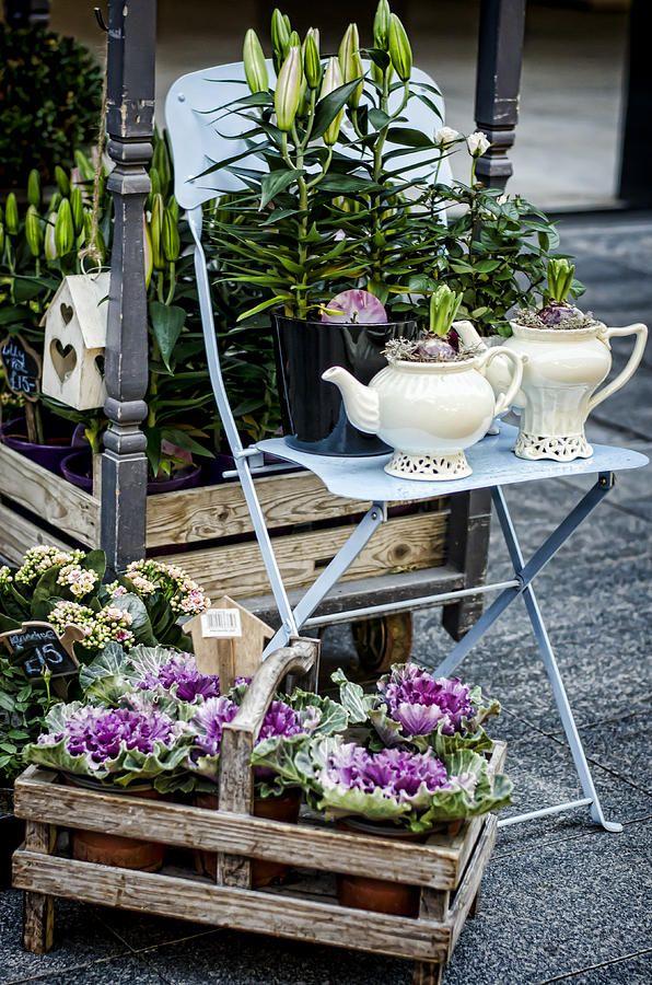 A flower shop front within spitalfields market london for Organizar jardin exterior