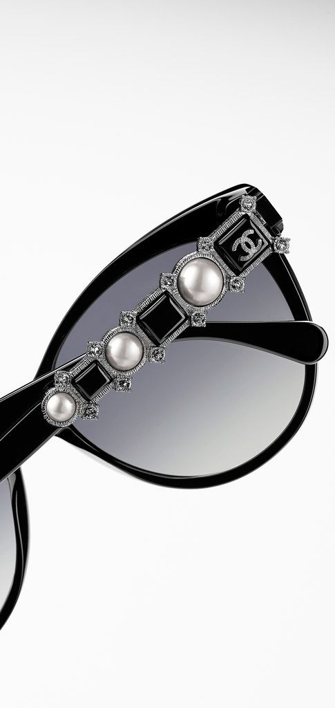 3433b78724a Butterfly Sunglasses Chanel
