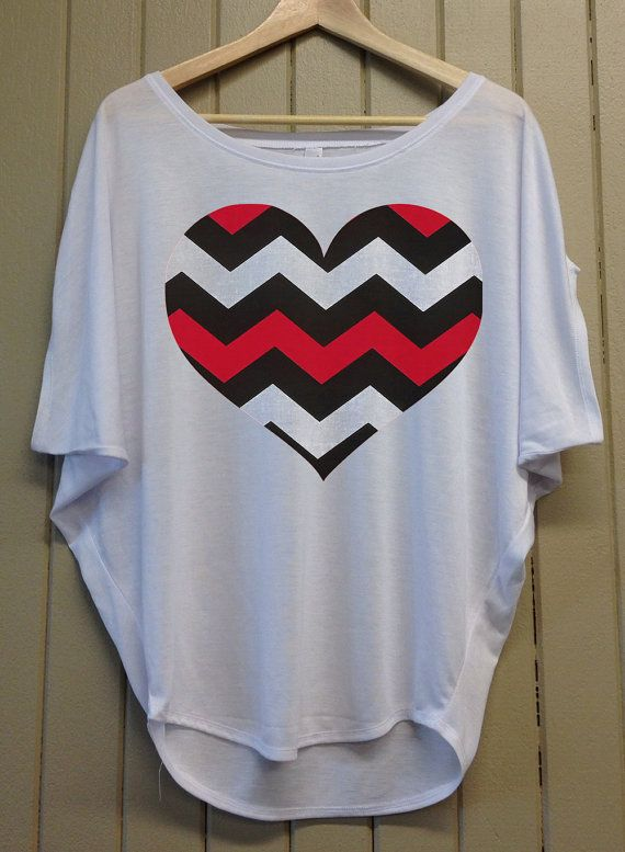 acaacf4d5 Chevron Heart - Valentines Day - Dolman Short Sleeve - Cute, Stylish and  Comfortable - Light Grey Top - 301