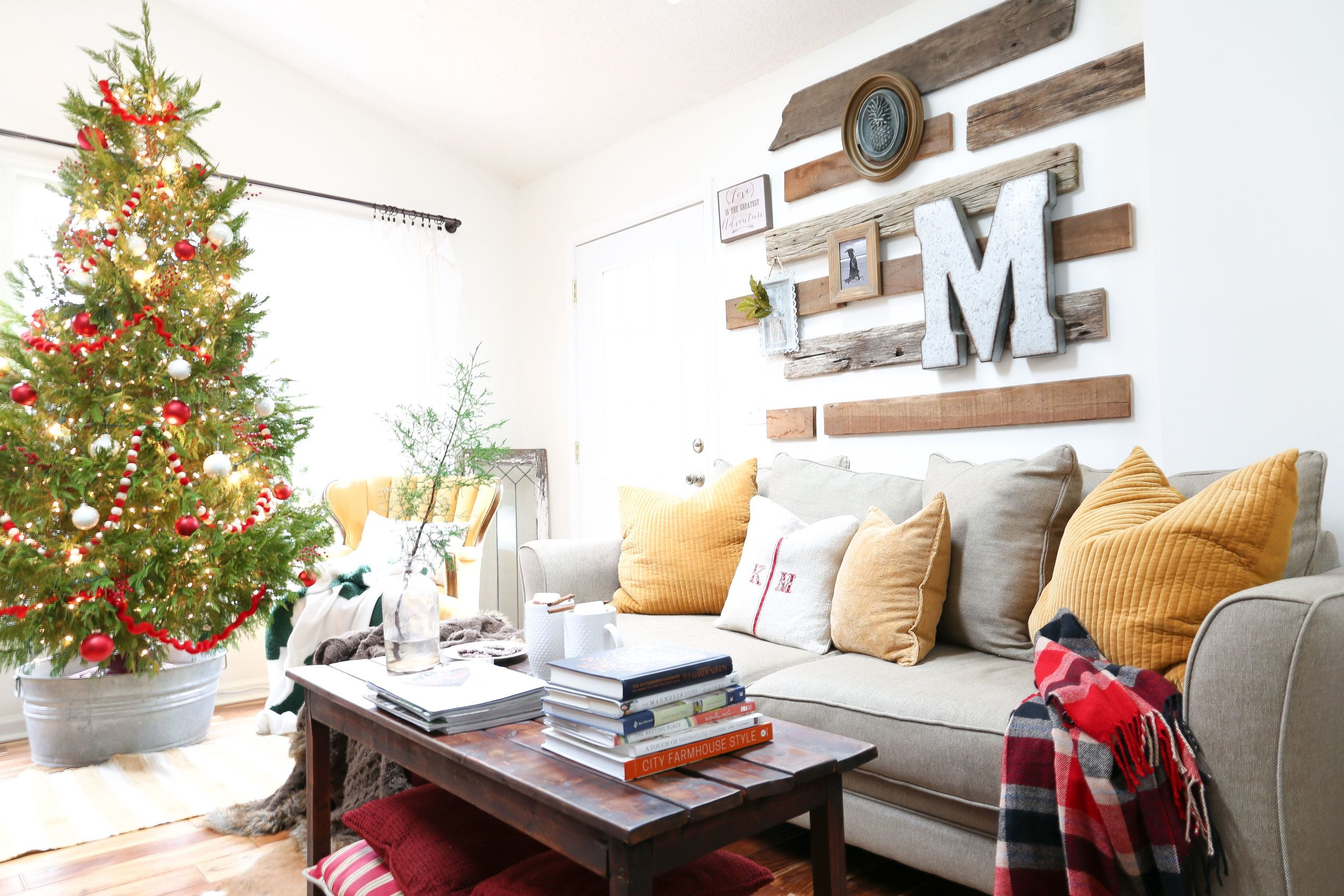 Christmas Decor in the Family Room: With A Little Color   Christmas ...
