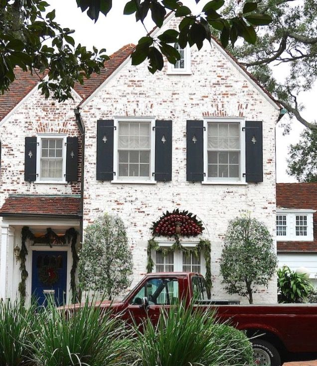 Like Brick Color But Not Red Roof Brick Farmhouse House Exterior Exterior Brick