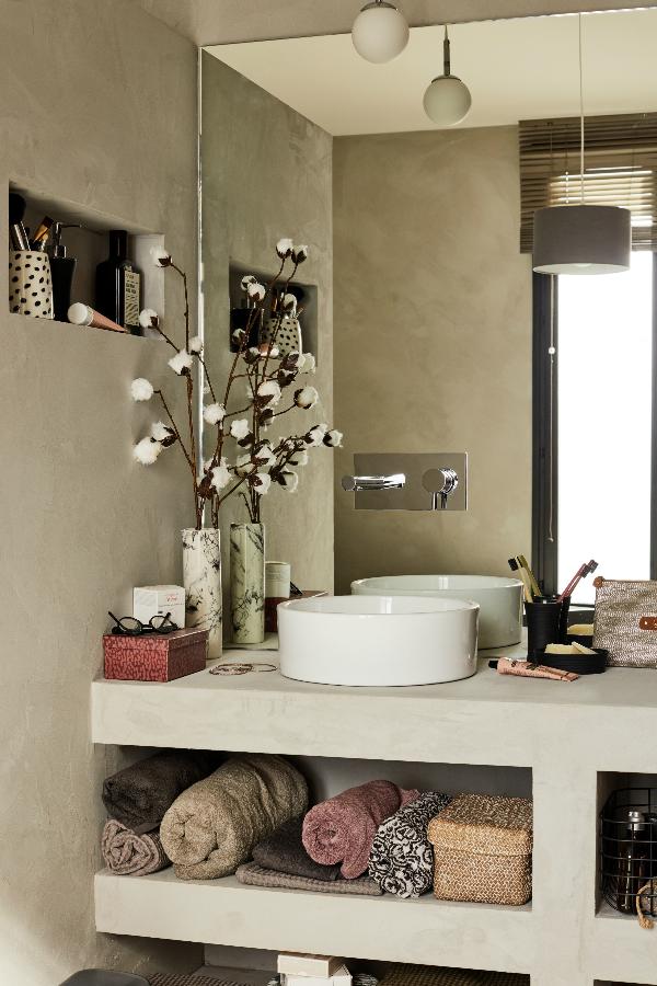pour donner un vrai coup de jeune la salle de bains on. Black Bedroom Furniture Sets. Home Design Ideas