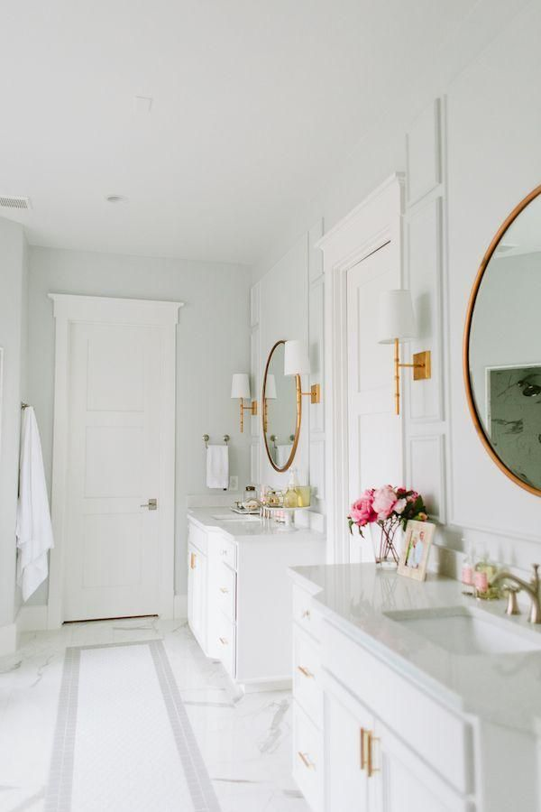 Stunning All White Master Bathroom With Gray And White Carrara