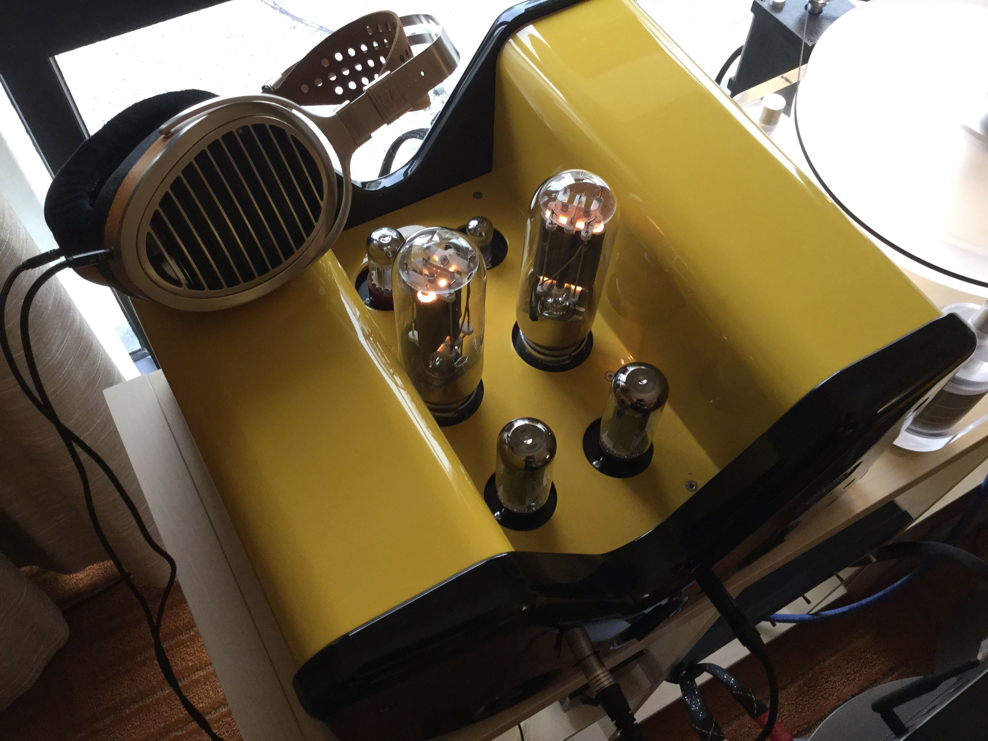 The Viva Egoista 845 A Based Headphone Amplifier Seen By Many As One Of Finest Available In World Headphones Are Hifiman He1000 S And