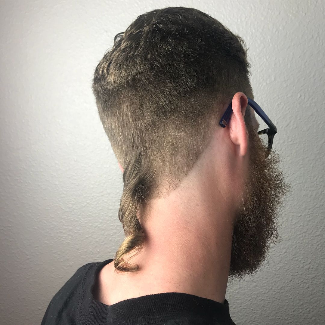 man with short hair and curly rattail  Rat tail haircut, Mullet