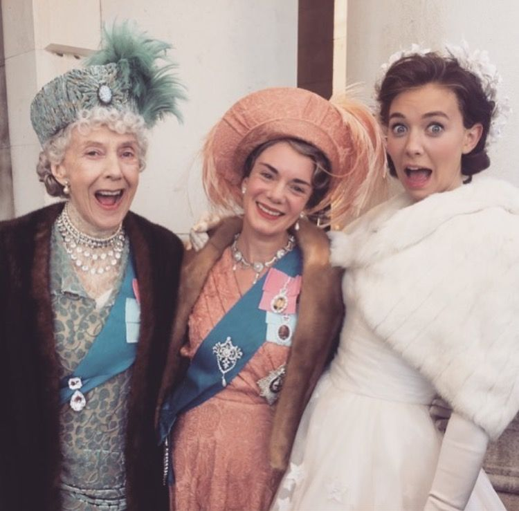Eileen Atkins Victoria Hamilton And Vanessa Kirby On The Set Of The Crown The Crown Series The Crown Season Vanessa Kirby The Crown