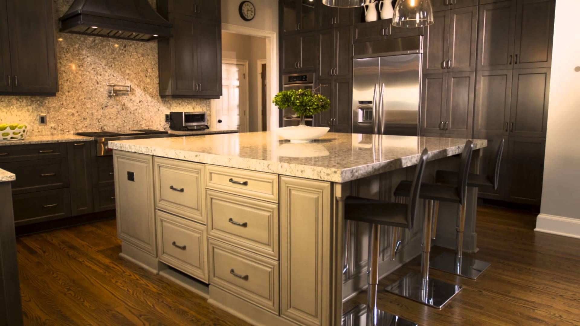 A Kitchen Renovation Success Story Featuring Kitchen Craft Cabinetry Unique Decor 87754435 Kitchen Remo Kitchen Crafts Kitchen Craft Cabinets Kitchen Remodel