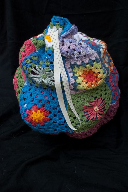 A way to use up the majority of the granny squares I made earlier in ...