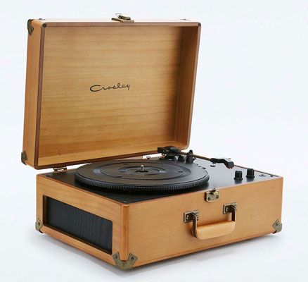 Retro To Go: Crosley Keepsake record player now available in a wood finish