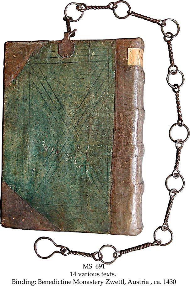 Libro con cadena