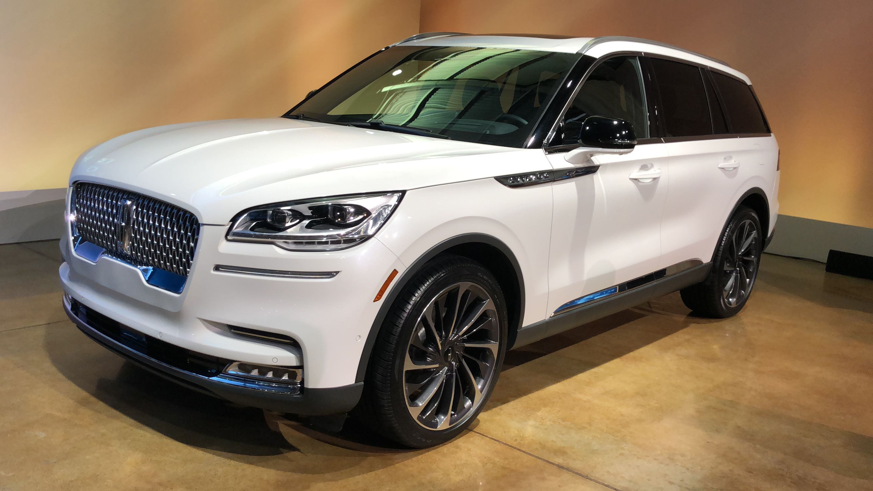 2020 Lincoln Aviator 10 Things Customers Will Like About All New Suv Lincoln Aviator Lincoln Cars New Suv