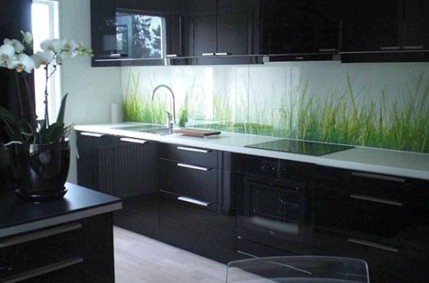 Model Black Kitchen Cabinets Are Simple But Very Functional Combined More  Natural Lawn Ornaments