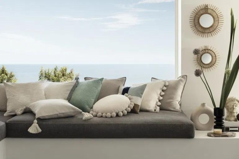 H M Home Nouvelle Collection Meubles Et Decoration Printemps Ete 2020 Planete Deco A Homes World En 2020 Mobilier De Salon H M Home Deco Maison