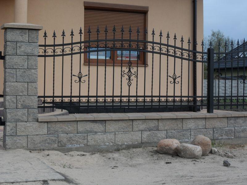 Materialy Budowlane Bloczki Betonowe Ogrodzenia Betonowe Panelowe Przesla Ogrodzeniowe Systemy Ogrodzeniowe Kostka Brukowa Outdoor Decor Outdoor Stairs