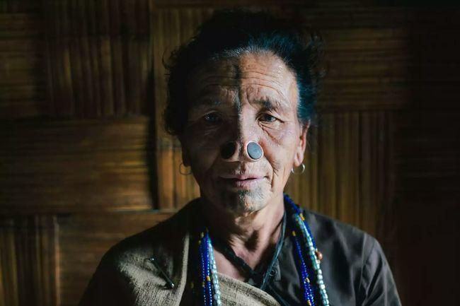 Photo of Woman with noise piercings. Ziro, India. Porter Yates. #gerauschpiercings #i ….