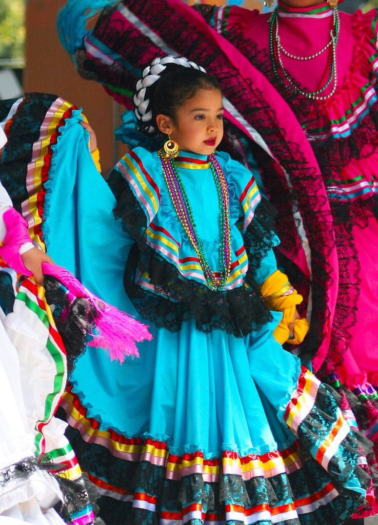 beautiful little mexican dencer  mexican culture