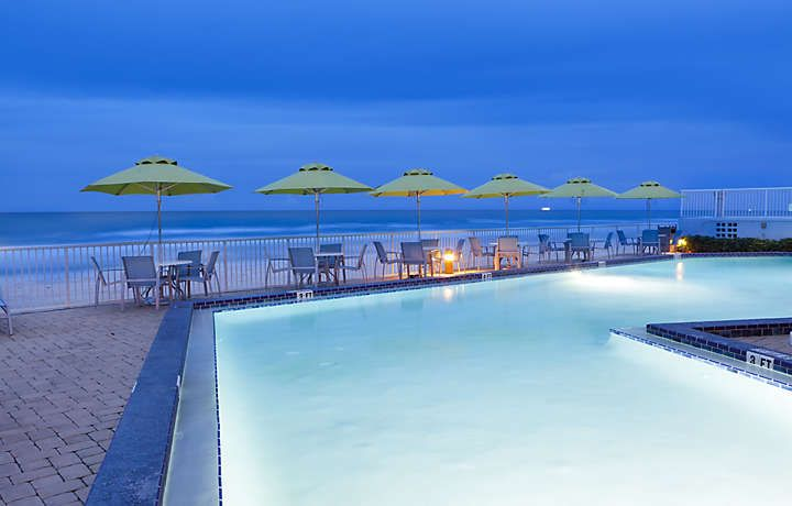 Bluegreen Daytona Seabreeze Pool At Dusk Hotels In Florida Beach