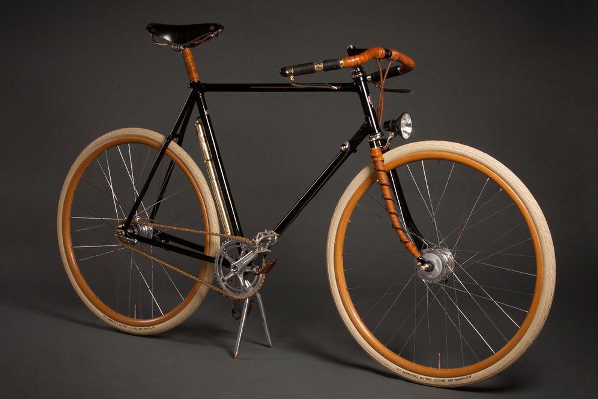Die Ästhetik der 20er und 30er Jahre und das technische Know-how der Gegenwart bilden die Basis für jedes Modell des amerikanischen Labels Ascari Bicycles, selbstverständlich gilt das auch für das…