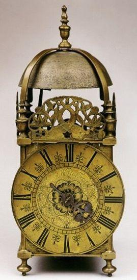 John Walker Fecitn - A rare late 17th/early 18th century lantern clock