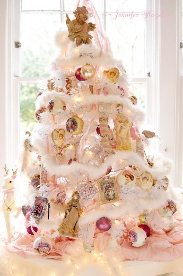 Romantic pink victorian christmas tree with feather boa navidad pinterest navidad - Navidad shabby chic ...