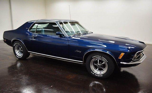 1970 Ford Mustang Coupe avec 2 portes de transmission C4 - couleur des portes interieur