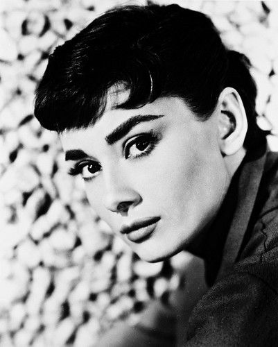 The lady with the perfect eyebrows. Love! || Audrey Hepburn || #beauty