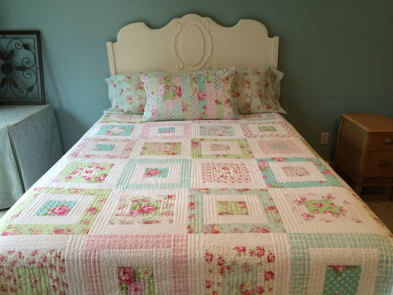 bed comfortandjoyfabrics chic whelan etsy by tanya floral on shabby pin patchwork quilt quilts
