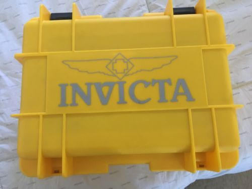 Pair Of Men's Invicta Watches And 8 Slot Water Proof Case https://t.co/OZDohDBI77 https://t.co/DceJizAJZm