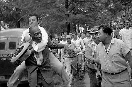 1957 Little Rock Nine Iconic Images Of Human Rights Violations