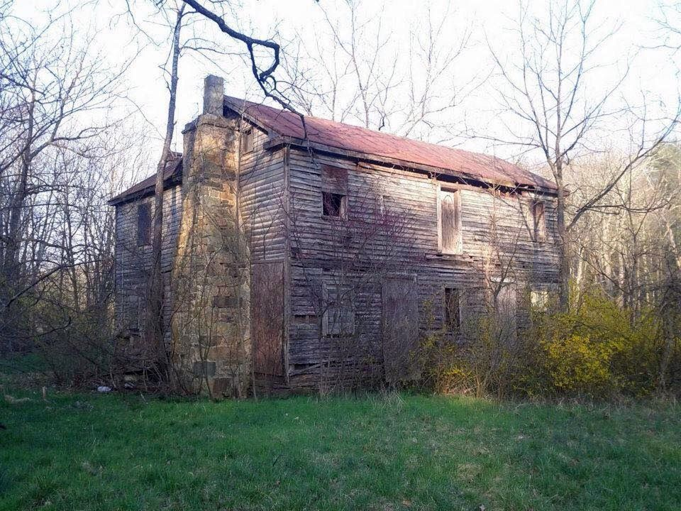 Patsy Cline S Place Of Birth And Childhood Home Gore Virginia Derelict Places Historical Place Beautiful Homes