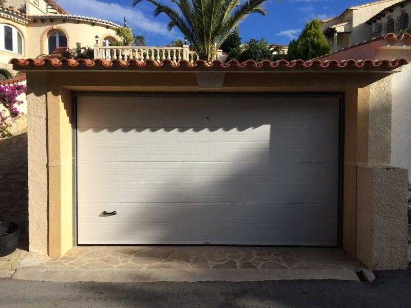 Resultado de imagen de puertas de garaje seccionales correderas